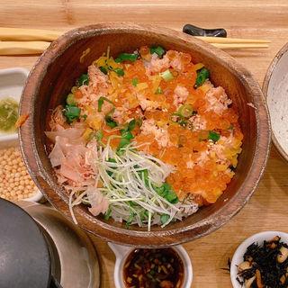 鮭といくらの北海ごはん(こめらく 贅沢な、お茶漬け日和。 )