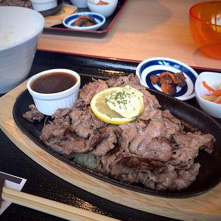 週替わり定食B 黒毛和牛スライスステーキ(葉包焼肉 YONEYA)