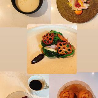 コース(カブのポタージュ、サラダ、ポークソテー、チョコレートタルト、コーヒー、フィナンシェ)(Neki)