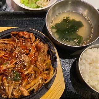 牛プルコギ定食(韓豚屋 銀座三丁目店 (ハンテジヤ))
