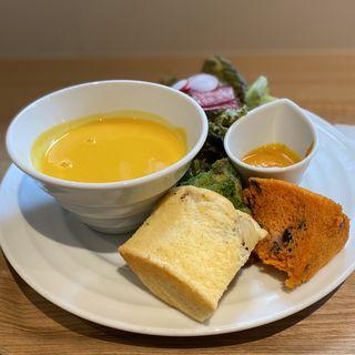 A SET(ミールシフォン、サラダ、スープ)(meal chiffon & sweets Damonde)