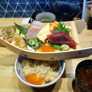 舟盛り丼(鮨 酒 肴 杉玉 西新店)