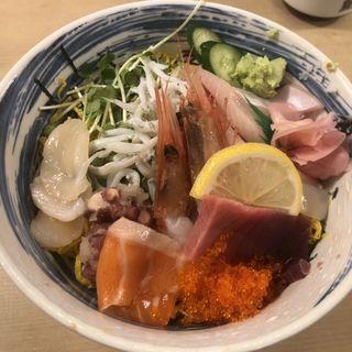 海鮮丼(丸万寿司 OAP店 (まるまんずし))