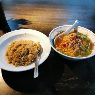 ランチ (チャーハン+台湾ラーメン)(台湾料理 好好)