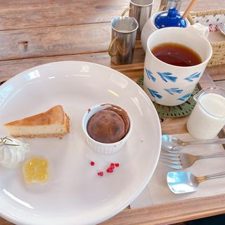 チーズケーキとフォンダンショコラ(prato cafe (プラートカフェ))