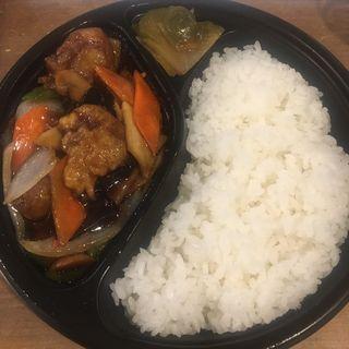 鶏の唐揚げ黒酢炒め弁当(蘭氏食苑)