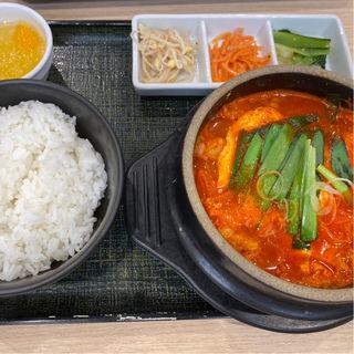 ホルモン純豆腐