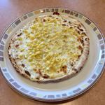 たっぷりコーンのピザ