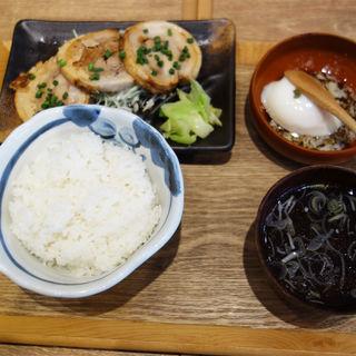 自家製炙りチャーシュー定食(肉汁餃子のダンダダン 大名店)
