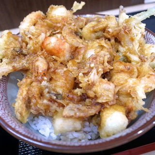 海鮮かき揚げ天丼(天ぷら てんさく)