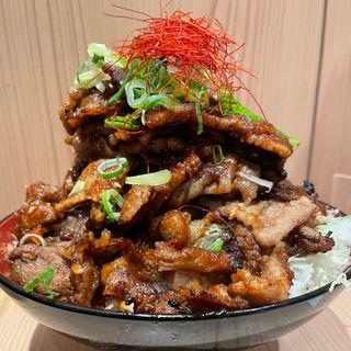牛カルビ丼 火山盛り(カルビ火山 堂島店)