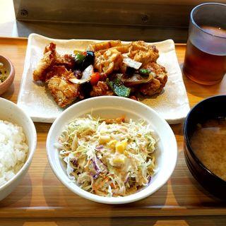 彩野菜黒酢あんかけ酢豚定食