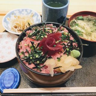 ねぎトロ丼(すし定 (すしさだ))