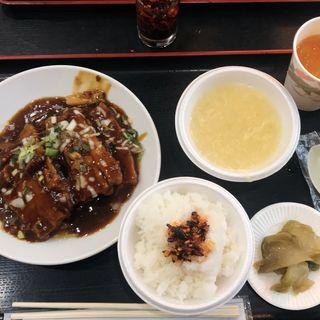 角煮定食 食べる辣油(アジア料理 菜心 )