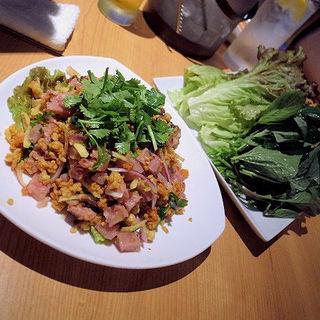 ネームクック(野菜たっぷりの自家製ソーセージのサラダ)(タイ田舎料理 クンヤー )