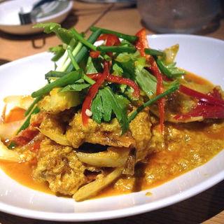 プーニムパッポンカリー(ソフトシェルクラブのカレー玉子炒め)(タイ田舎料理 クンヤー )