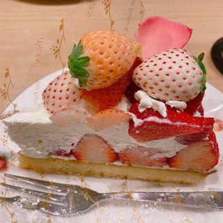 4種のいちごのタルト(果実園 リーベル 新宿店)