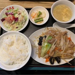 日替定食(豚肉と五目野菜のスタミナ炒め)(福星門 (フクセイモン))