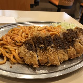 カツスパゲッティー 赤(洋食屋 大越 (オオコシ))