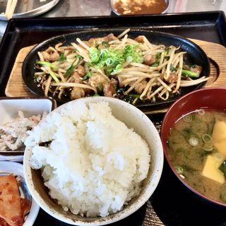 ホルモンスタミナ焼き定食
