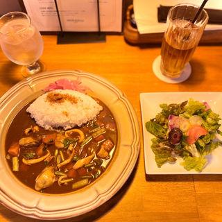福井県 寺川商店 真イカと 広島牡蠣の 仙台 せりのシーフードカレー(Ideal Curry Inaba)
