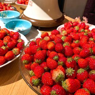 イチゴ食べ放題60分