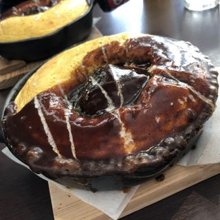 ハンバーグのせデミグラスソースオムライス