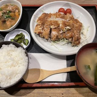 油淋鶏定食:煮込み