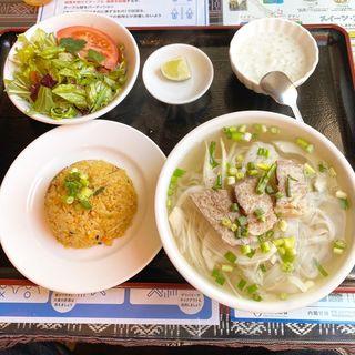 ミニフォーボ+ミニチャーハン(ワン アン ホア セン (Quan an Hoa sen))