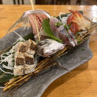 お刺身盛り合わせ三種盛り(鯛の炙り、アジ、ホッキ貝)(うみちよ 鶴舞店)