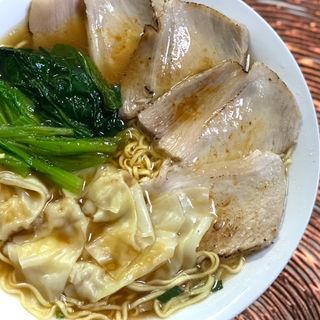 セブンアイ×マルちゃん 醤油拉麺 カップ