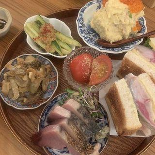 おまかせ前菜(酒場浮曇)