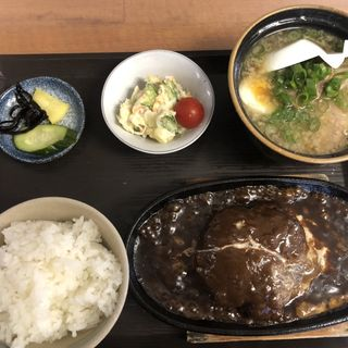 ハンバーグ定食(ラーメン酒場 海坊主 (うみぼうず))