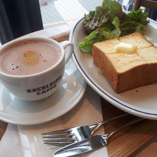 厚切りトーストモーニング+カフェモカ