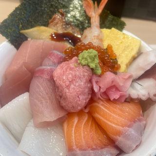 メガ盛り海鮮丼(街のみなと 阪急高槻市駅店)