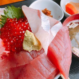 三色丼(浜めし )