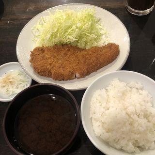 ロースカツ定食(勝烈庵 相鉄ジョイナス店)