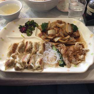 餃子定食(夜来香 栄本店 (いえらいしゃん))