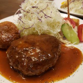 国産合挽きミンチ手ごねハンバーグ&コロッケセット(洋食屋さんパキラ)