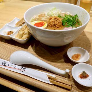 豪華スタイル味噌(麺スタイル林)