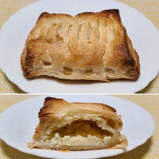 チーズクリームパイ(石窯ぱん くりや)