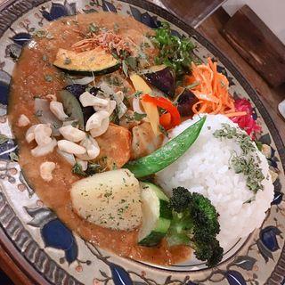 スパイシーチキンカリィ ( もりもり野菜、侍.ザンギ 、ルゥ大盛り )