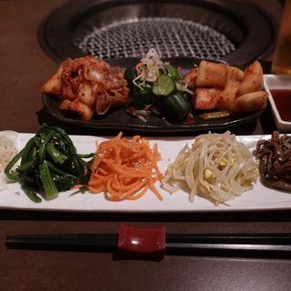 ナムル盛り合わせ(焼肉 冷麺 ユッチャン。)