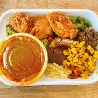 ポークとチキンのあいがけ(Tokyo Mix Curry 根津本店)