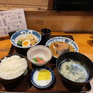 鯖味噌定食(郷土料理 こふじ )