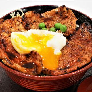 キャベツ豚丼(温泉卵トッピング)