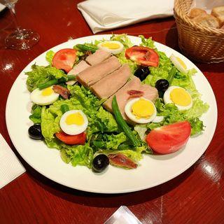 自家製ツナのニース風サラダ(ビストロ バー ア ヴァン コダマ)
