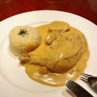 鶏 リードヴォー セップ茸のフリカッセ(ビストロ バー ア ヴァン コダマ)