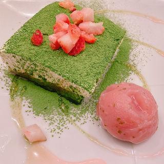 桜香る抹茶ティラミス(丸の内 CAFE 会 (カフェ))
