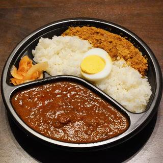 大辛チキンカレー&キーマカレーライス(FISH )